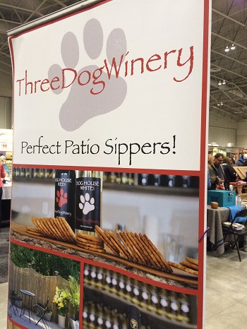 Three Dog Winery Signage