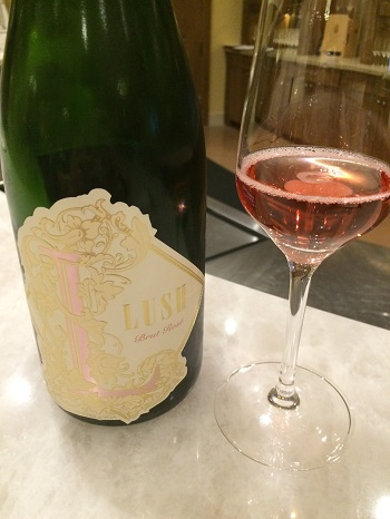 Two Sisters Vineyards Lush Sparkling Rosé