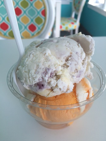 Sweet Retreat ice cream in Leamington, Ontario serves Kawartha Dairy ice cream.
